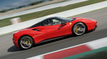 FERRARI RACETRACK DRIVING